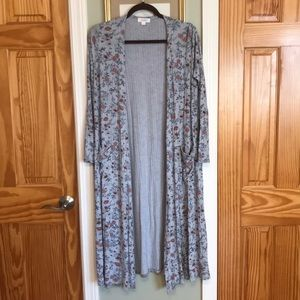 Pretty LuLaRoe Sarah long cardigan